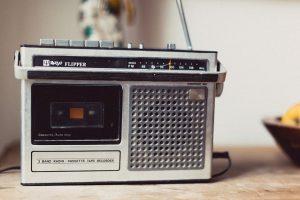 radio-821602_640